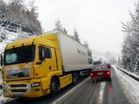 Trafic ingreunat de zapada in Arad. Camioanele nu mai pot intra in municipiu