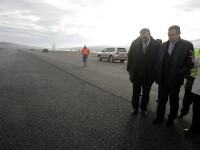 Adrian Nastase, impiedicat sa intre pe santierul Autostrazii Transilvania