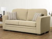 Canapeaua din sufragerie, numai buna pentru partia de schi!