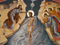 De Boboteaza, mii de crestini au indurat frigul ca sa primeasca iertare