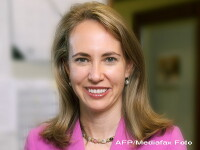 Deputata americana impuscata in cap nu mai are jumatate de craniu