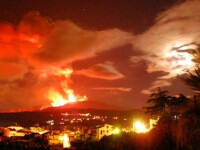 Spectacol incandescent in Sicilia. Etna a erupt din nou