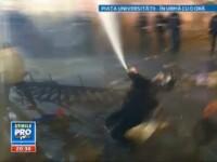 VIDEO. Dovada unei interventii haotice: ce pateste un jandarm cand foloseste spray-ul din dotare