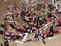 Avertismentul englezilor. Conservantii din cosmetice ar putea provoca cancerul de san