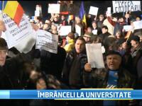 A 11-a zi de proteste. Manifestantii s-au imbrancit la Universitate. Mesajul militarului protestatar