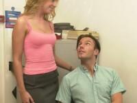 O noapte de amor cu seful a facut-o sa realizeze un lucru neplacut despre logodnicul ei