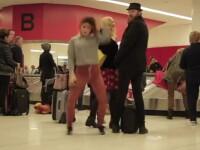 Imaginile vizualizate de peste 1 milion de ori in 6 zile. Ce face o tanara intr-un aeroport. VIDEO