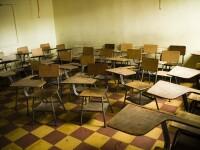 Intamplare socanta intr-o sala de clasa.Ce a patit o fata de 15 ani, sub banca, in fata profesorului