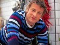 Jamie Oliver, atac la familiile sarace: Prapadesc banii pe mancare gata preparata in loc sa gateasca