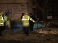 O tanara de 26 de ani din Botosani a murit, dupa ce a cazut de pe acoperisul blocului. Politistii banuiesc ca s-a sinucis