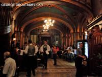 Strainii ne iau bautura de la gura. Cei mai mari consumatori in barurile din Romania sunt turisti din alte tari