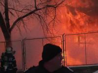 26 de persoane, intre care si adolescenti, surprinse de un incendiu izbucnit la o cabana din Suceava