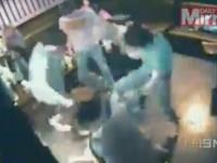 Bataie violenta intr-un club australian. Camerele VIDEO au inregistrat momentul in care un cuplu este \
