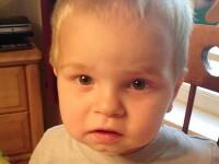 SUA: Un baietel de 2 ani s-a impuscat mortal dupa ce a descoperit arma tatalui in masina
