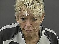 Gestul inuman al unei femei care nu a fost lasata in avion cu trei pui de catel. Acum, risca inchisoarea