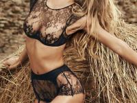 Supermodelul israelian Bar Refaeli a anuntat ca va deveni mama. Modul inedit prin care a dat aceasta veste fanilor