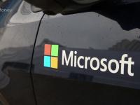 Microsoft lanseaza masina care se conduce singura.Cum arata automobilul inteligent care evita accidente si opreste la semafor