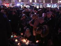 Mii de oameni au comemorat un an de la atentatul de la Charlie Hebdo. Mesajul transmis de un umorist francezilor