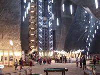 Investitiile de milioane de euro au transformat salinele in adevarate oaze de relaxare. 500.000 de turisti vin aici anual