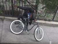Inventia unor americani menita sa pedepseasca hotii de biciclete. Ce patesc in momentul in care se urca pe ele