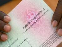 Ajutoarele sociale din Germania, fraudate de refugiatii cu multiple identitati. Cat primeste pe luna un solicitant de azil