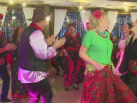 Vacanta de Anul Nou s-a terminat cu dans si mancare din belsug pentru turistii din Predeal.