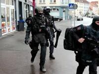 Un barbat a impuscat doi politisti in Elvetia, apoi a fugit. Atacatorul este cautat de politie