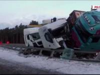 Traficul din Europa, paralizat de ninsorile abundente. Un sofer roman a murit in Polonia, dupa ce a ajuns cu TIR-ul in sant