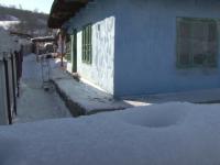 Un batran de 68 de ani a fost gasit mort in propria casa, din cauza frigului. \