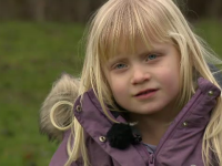 Copiii care petrec putin timp cu parintii devin anxiosi si confuzi. Avertismentul specialistilor