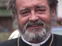 Parintele Mihai Negrea, care a fost mama si tata pentru 100 de copii, inmormantat. \