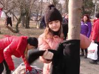 Haine in copaci pentru oamenii nevoiasi. Initiativa unei fundatii din Timisoara pentru a-i feri pe cei fara adapost de frig