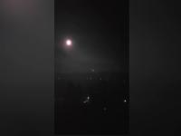 Un obiect misterios luminos a fost filmat pe cerul Capitalei. VIDEO