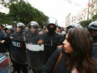 Proteste violente în Tunisia, din cauza reformelor economice. O persoană a murit, peste 280 au fost arestate