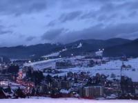 Stațiunea de schi din Ucraina, care rivalizează cu cele din Austria sau Italia. Tot mai mulți români o aleg