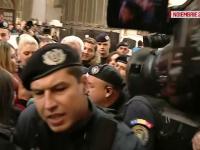 """Prima reacție a jandarmului care i-a bătut pe protestatari. """"Nu sunt lovituri cu ură"""""""