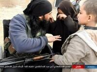 Momentul în care un luptător ISIS își ia adio de la copii. Atrocitatea comisă la scurt timp