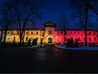 Mica Unire: Palatul Cotroceni a fost luminat în culorile tricolorului
