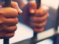 Adolescent arestat pentru 30 de zile, după ce și-a atacat unchiul pentru o sumă de bani