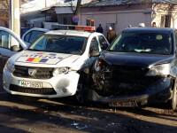 Doi agenți de poliție aflați în misiune, răniţi în urma unui accident rutier