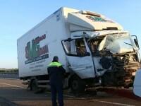 Tragedie românească în Spania: 1 mort și 8 răniți, după ce un camion le-a spulberat mașina