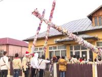 """Tradiție inedită de Bobotează în Dâmbovița. Cum impresionează tinerii fetele """"de măritat"""""""