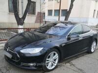 Un român a rămas fără autoturismul Tesla de 57.000 de euro imediat după ce a intrat în țară