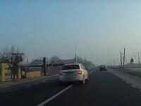 VIDEO. Șofer cu Skoda filmat în timp ce mergea cu viteză și a depășea pe linie continuă