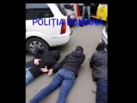 Se dădeau drept polițiști și jefuiau străini. Cum au fost prinși