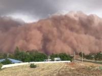 Australia, lovită de furtuni de praf și grindină uriașă după incendiile devastatoare. VIDEO