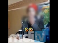 VIDEO. Elev de clasa a 8-a din Dâmbovița, filmat în timp ce fumează în sala de clasă