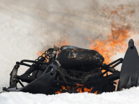 Doi tineri s-au răsturnat cu un snowmobil furat din Predeal. Unul a murit la spital