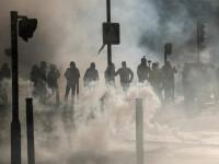 Jandarmii francezi renunţă la grenadele lacrimogene explozive care au lăsat protestatari infirmi