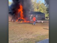 Un avion s-a prăbușit peste locuința unei familii din Florida. Pilotul a murit pe loc